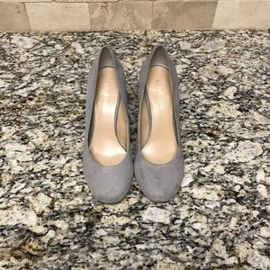 Kelly&Katie Gray Suede Pumps
